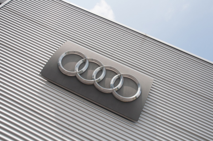 Hd systems garage audi neupr for Garage audi frejus